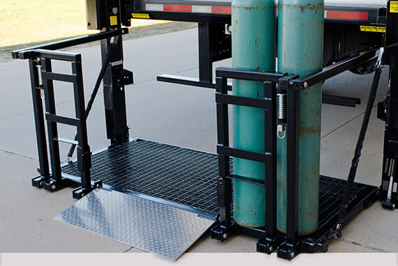 Gas bottle tailgate lift